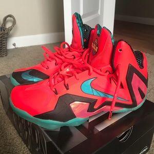 012e7f5cef3 Nike Shoes - Lebron James 11 s
